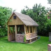 Rustikales Gartenhaus
